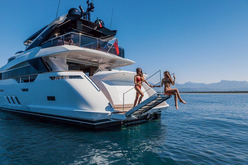 main raise yachting